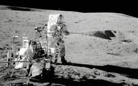 Rušili mimozemšťané v minulosti zkoušky jaderných zbraní? Bývalý americký kosmonaut si myslí, že ano