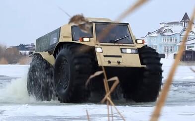 Ruská beštia SHERP si sama dofukuje pneumatiky a zvláda prekážky vysoké aj 70 centimetrov
