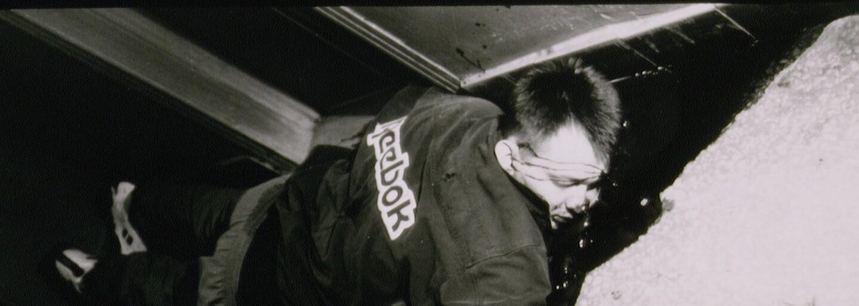 Ruská mafie v Česku 90. let. Obchodovala se semtexem, letadly, drogami i prostitutkami. Někteří začínali jako skořápkáři v Praze