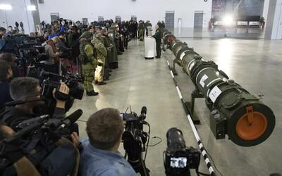 Ruská raketa může zaútočit kdykoliv a kdekoliv. Dokáže letět kolem světa i několik let, varuje šéf britské tajné služby