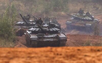 Ruské tanky smerujú k Ukrajine. Má sa Kyjev báť a o čo ide Putinovi?