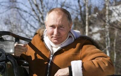 Rusko nariaďuje povinné očkovanie v ďalších oblastiach. Nárast prípadov v Moskve spôsobujú mutácie
