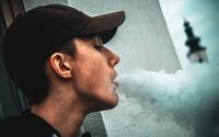 Rusko zakázalo kouření na balkoně, rozhodnutí schvaluje i prezident Putin