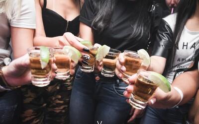 Rusové pijí pořád méně, podle posledních měření klesla konzumace alkoholu o 43 %. Mohou za to změny v zákonech