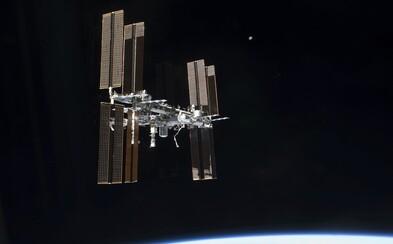Ruští kosmonauti našli na ISS únik vzduchu pomocí sáčku od čaje
