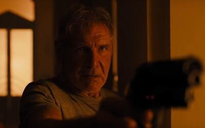 Ryan Gosling poľuje na Ricka Deckarda v podaní Harrisona Forda v úžasnom traileri pre pokračovanie kultového Blade Runnera