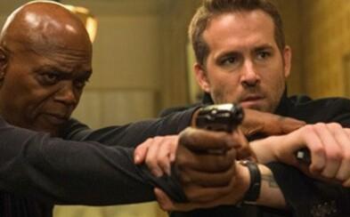 Ryan Reynolds je zabijakov bodyguard. Akčná komédia s Deadpoolom a skvelým Samuelom L. Jacksonom vás rozosmeje aj v najnovšom traileri