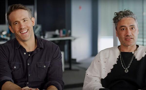 Ryan Reynolds si zase robí srandu z Green Lanterna a Eddie Murphy sľubuje, že čoskoro natočí Policajta z Beverly Hills 4