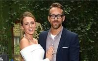 Ryan Reynolds vtipkuje, že s manželkou Blake Lively spal jen dvakrát v životě