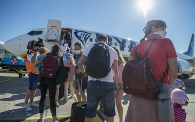 Ryanair po štyroch mesiacoch opäť začína lietať z Bratislavy. Od polovice júla sa spúšťa letná sezóna