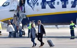 Ryanair už v Španielsku nemôže vyberať poplatky navyše za príručnú batožinu. Obmedzuje totiž práva cestujúcich