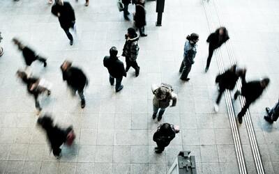 Rýchlosť chôdze naznačuje, aké majú ľudia IQ a ako rýchlo starnú, tvrdia vedci