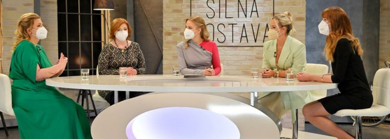 Rytmus naložil komičke Simone po tom, čo kritizovala Cibulkovú za jej výlet do exotiky. Vysmieva sa jej aj za postavu