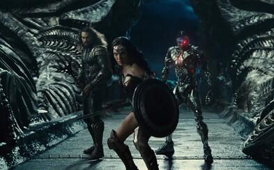 S kým bojujú členovia Justice League, čo sú to Mother Boxy a akú vojnu nám vlastne ukázal nedávny trailer?