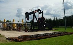 S ropou se v pondělí obchodovalo za záporná čísla. Poprvé v historii přišla o veškerou svou hodnotu