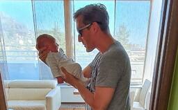 Sajfa sa teší z narodenia dcérky Sáry prvou spoločnou fotku: Práve som zistil, že môj život sa mi len začal