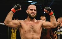 Šampion OKTAGONu MMA vybojoval smlouvu s UFC. Je teprve druhým Slovákem v historii, který to dokázal