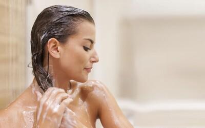 Šampony už nejsou to, co bývaly. Většina produktů připomíná spíše nepodařený experiment chemické laboratoře