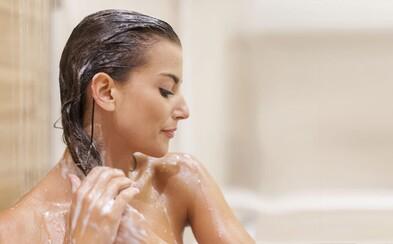 Šampóny už nie sú to, čo bývali. Väčšina produktov pripomína skôr nepodarený experiment chemického laboratória