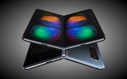 Samsung konečne začne predávať svoj skladací mobil. Prvý pokus bol fiaskom