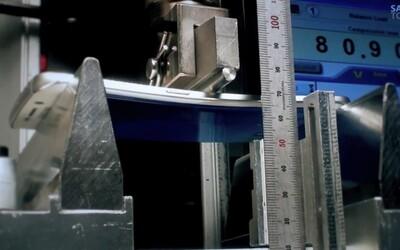 Samsung kritizuje nedávný test ohebnosti a rozhodl se proto provést svůj vlastní. Jaké jsou výsledky?