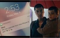 Samsung si v novej reklame opäť uťahuje z Apple. Tentokrát ale prestrelil a porovnáva svoju najnovšiu vlajkovú loď s iPhonom z roku 2014