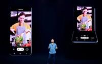 Samsung ukáže véčko so skladacím displejom. Reaguje tak na Motorolu