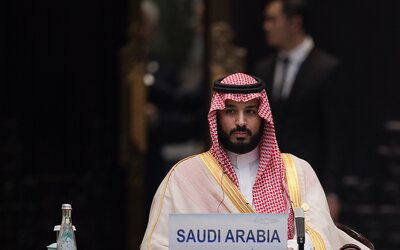 Saudskoarabský princ kúpil falošný obraz od Leonarda da Vinci za 450 miliónov. Vraj nútil Louvre, nech ho vystavia s Monou Lisou