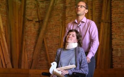 Sbírka pro Anežku: Roztroušená skleróza jí zničila život, pojišťovna odmítá uhradit lék
