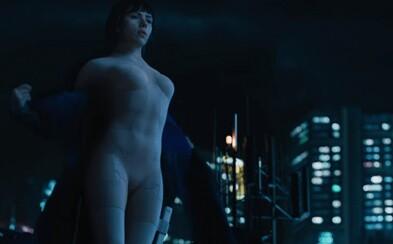 Scarlett Johansson sa v poslednom traileri očakávaného akčného sci-fi Ghost in the Shell mení na nezastaviteľný stroj na zabíjanie