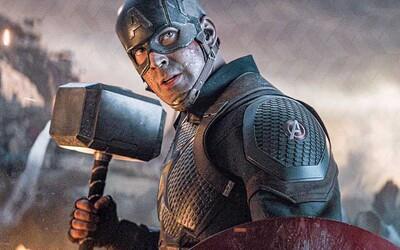 Scenárista Avengers: Endgame vysvetľuje, prečo pri Captainovi America zmenili pravidlá používania Mjolniru
