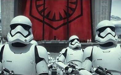 Scenárista Empire Strikes Back rozpráva o novom Star Wars, dĺžke filmu či Landovi