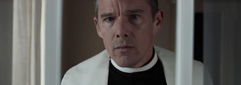 Scenárista Taxikára prichádza v dráme First Reformed s ťaživou štúdiou viery s apokalyptickými tónmi v pozadí (Recenzia)