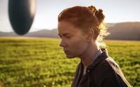 Sci-fi Arrival od Denisa Villeneuva je komorným, no zároveň absolútne strhujúcim dielom, ktoré právom ašpiruje na titul film roku (Recenzia)