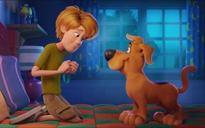 Scooby-Doo a Shaggy jsou pořád stejně šílení jako před lety. Takto se představili v traileru na celovečerní film
