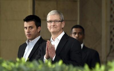 Šéf firmy Apple Tim Cook za poslední rok vydělal 200krát více než jeho průměrný zaměstnanec