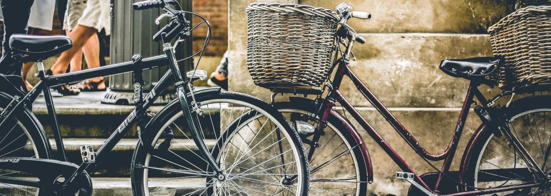 Šéf zaměstnancům nabídl 75 korun denně, pokud budou jezdit do práce na kole