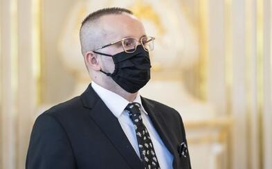 Šéfa SIS Vladimíra Pčolinského chcú stíhať väzobne. Prokurátor sa obáva, že bude pokračovať v trestnej činnosti