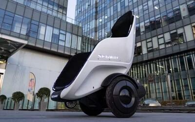 Segway predstavil pojazdný trón, dokáže sám balansovať a má 150 kg