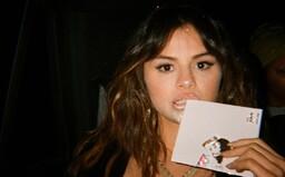 Selena Gomez má venku nové album Rare. Kromě zpěvu na něm najdeš i velice zajímavé rapové sloky