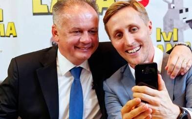 Selfie fotografie sú obľúbeným trendom už niekoľko rokov. Prečo sa ľudia tak často fotia prednou kamerou?