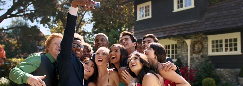 Selfies letos zabily už o polovinu více lidí než žraloci. Dej si pozor, ať nejsi příští obětí právě ty