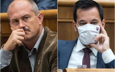 Šeliga vykázal poslancov extrémistickej ĽSNS z parlamentu, nemali certifikáty s negatívnym výsledkom: Nie ste nadľudia, odkázal im