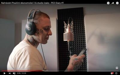 Sergei Barracuda pustil fanúšikov do štúdia, aby im ukázal zákulisie vzniku chystaného albumu Pouliční ekonomická 3