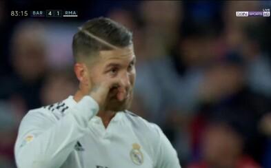 Sergio Ramos si při výprasku od Barcelony utíral slzy. Real Madrid v El Clásicu pohořel na plné čáře