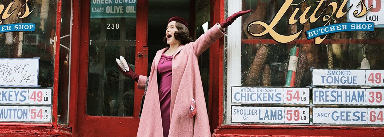 Seriál Marvelous Mrs. Maisel uchváti atmosférou Manhattanu 50. rokov a rozosmeje vydareným stand-upom (Tip na seriál)