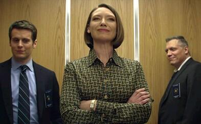 Seriál Mindhunter od režiséra Davida Finchera  sa oficiálne dočká druhej série. Agenti FBI budú viesť rozhovory s ďalšími sériovými vrahmi
