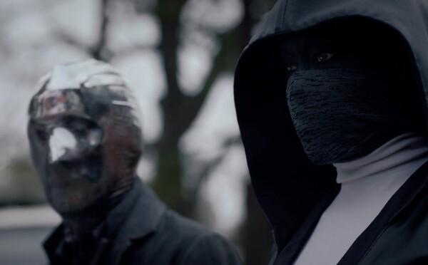 Seriál Watchmen bude plný temnoty a prepracovaných kostýmov. HBO odhalilo vynikajúci trailer