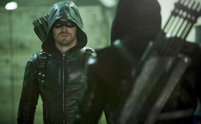 Seriálový Arrow si pre dobrú vec preveril svoje fyzické zdatnosti v American Ninja Warrior