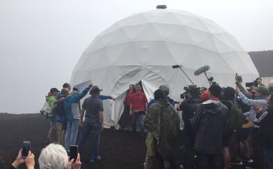 Šesť ľudí strávilo celý rok v izolácii na Havaji, aby si vyskúšali cestu a život na Marse. Po okolí sa dokonca prechádzali len v skafandroch